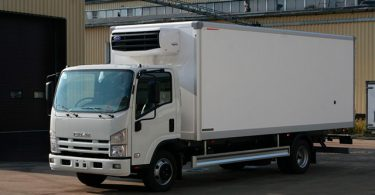 Коммерческий грузовик Isuzu NPR 75