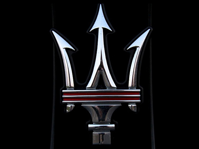 Эмблема Maserati