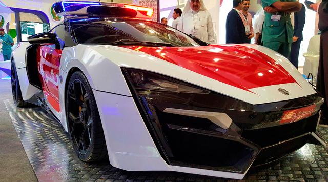 Полицейские автомобили ОАЭ
