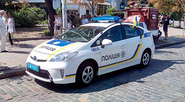 Полицейские автомобили Украины
